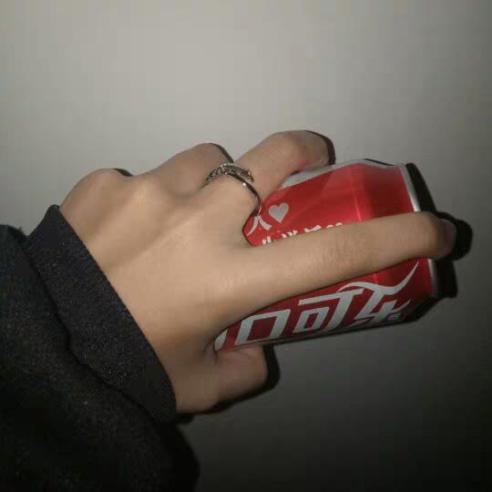 可乐呢,爱喝的人多了去了,你不爱,有的是人爱